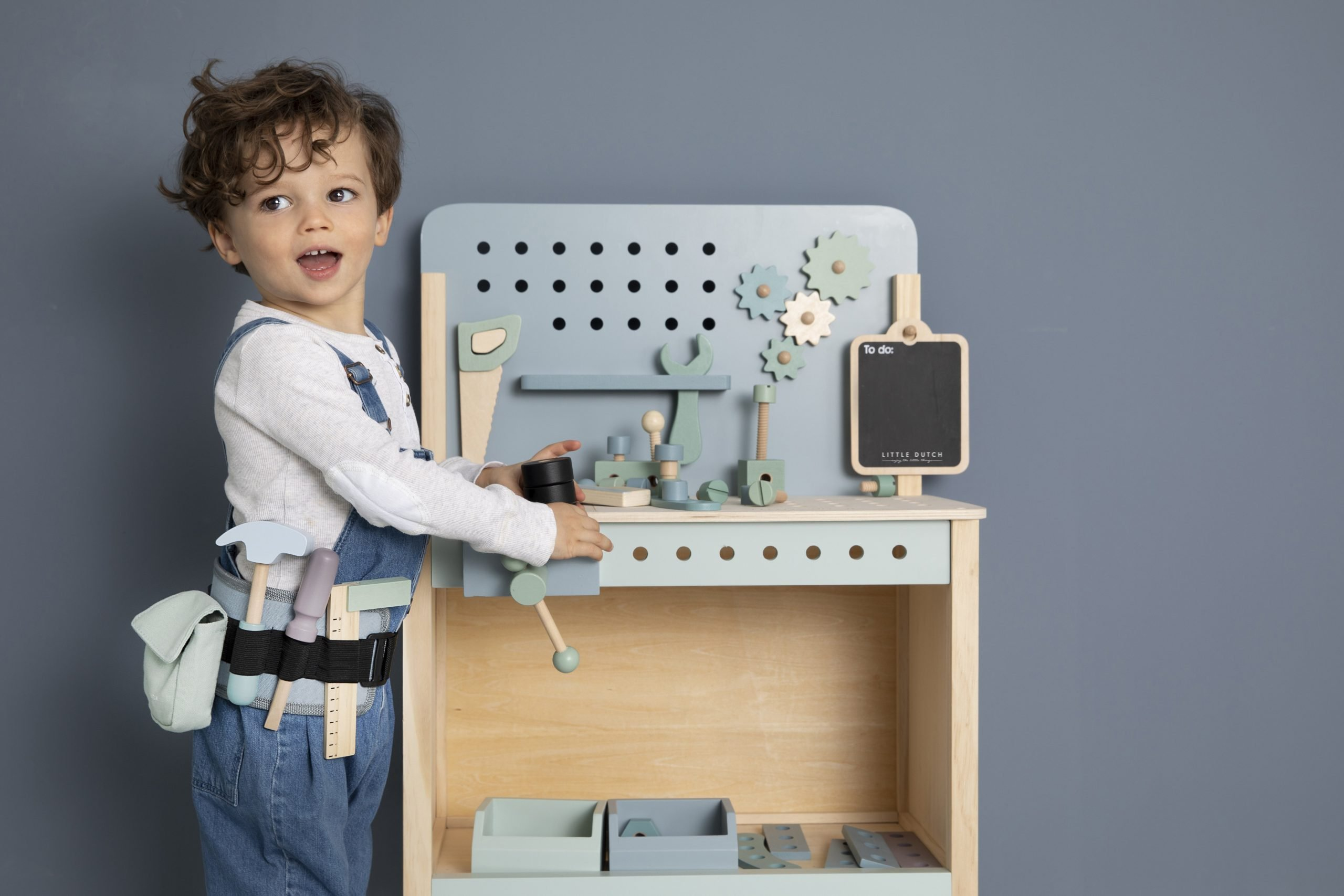 4448-wooden-play-workbench-13