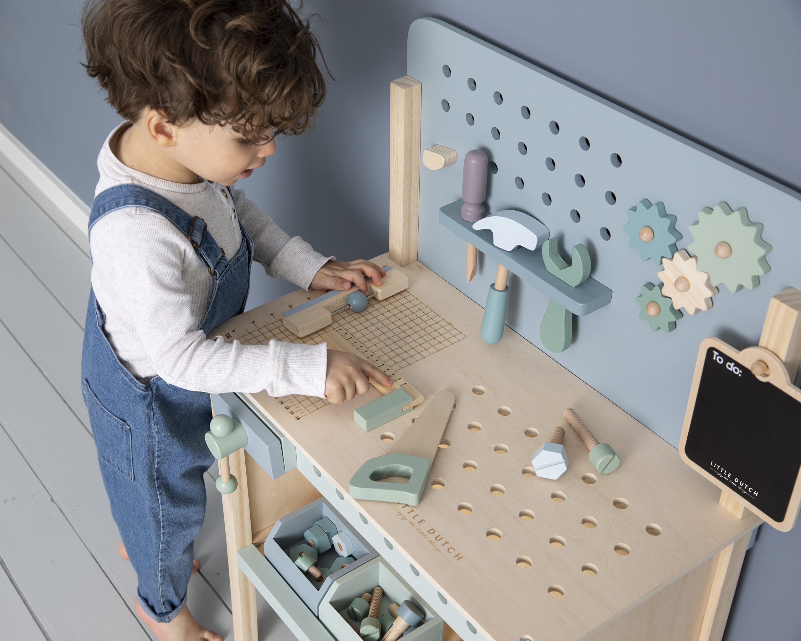 4448-wooden-play-workbench-16