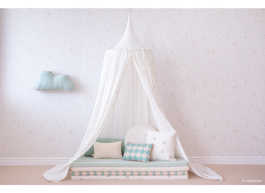 mood-nobodinoz-canopy-amour-gold-stella-white-wallpaper-aqua-cushions-marshmallow-cloud-matresses_2